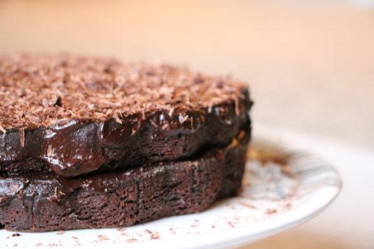 Un gâteau au chocolat conçu avec de l'avocat !